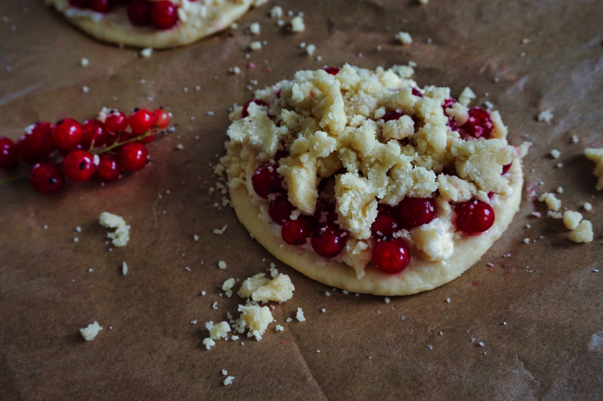 So schmeckt der Sommer – Johannisbeer-Taler